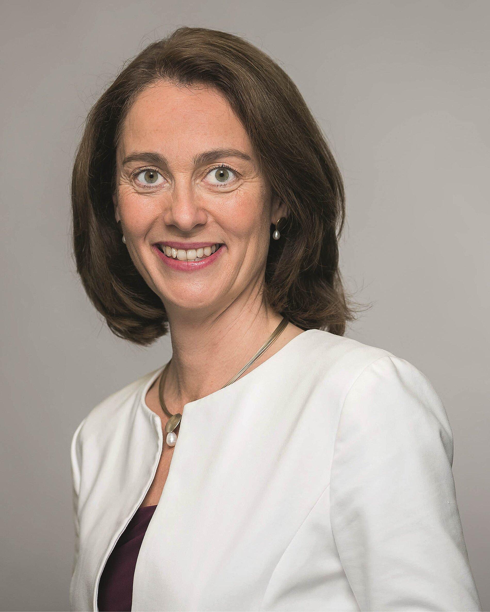 Porträtfoto der Bundesfamilienministerin Katarina Barley.