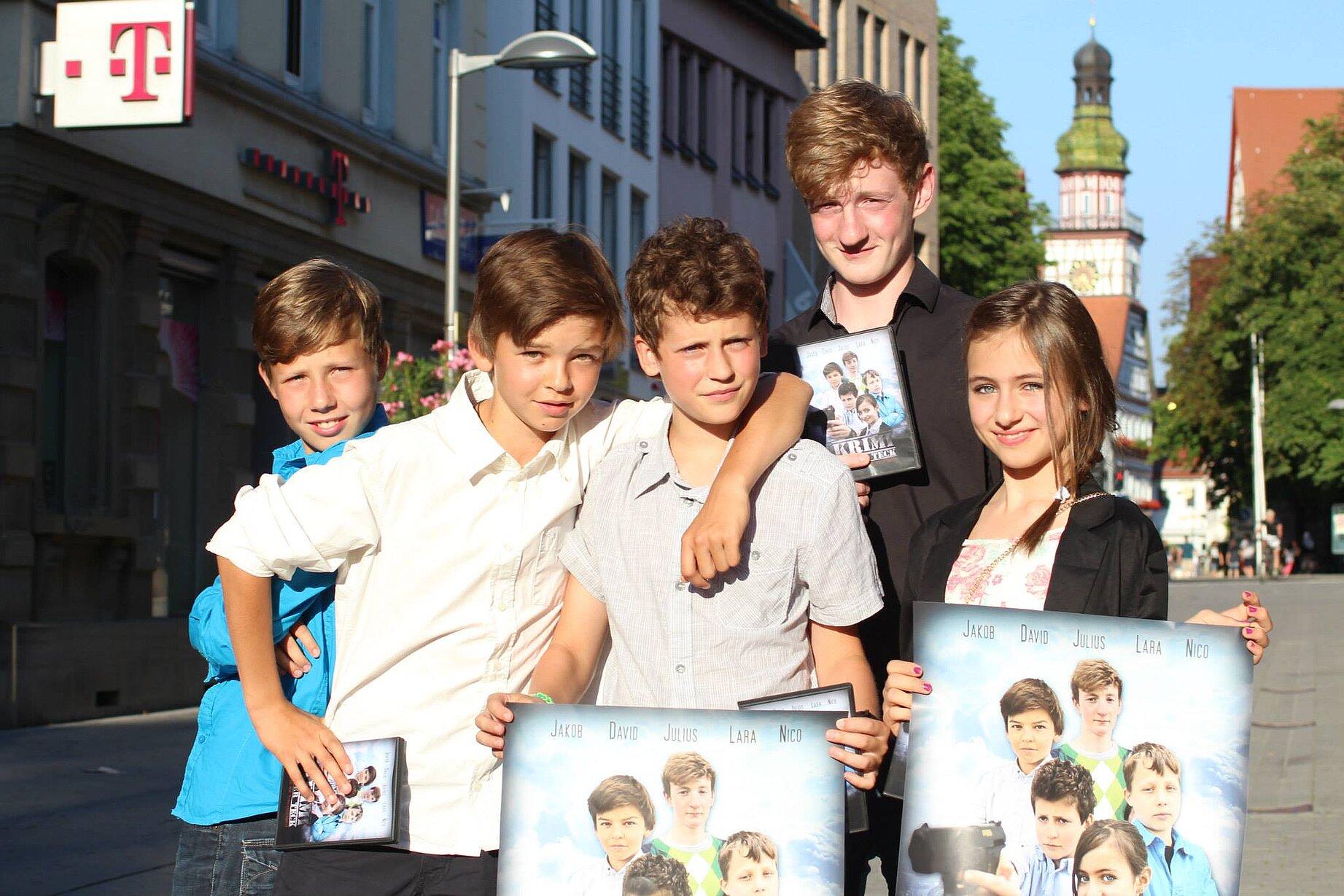 Fünf Kinder und Jugendliche, die sich im MGH Linde engagieren.