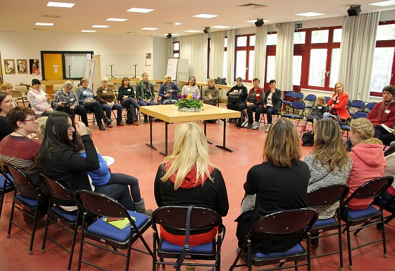 Teilnehmerbegrüßung in der Aula